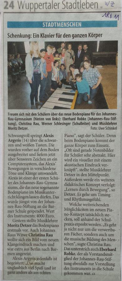 2011-08-18-WZ-Klavier für den ganzen Körper